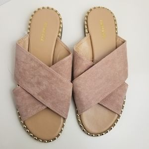 New Maurices faux suede  blush sandals size 9